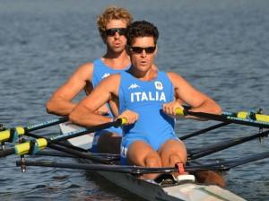 Romano Battisti e Francesco Fossi sono tra i protagonisti del sostegno alla Croce Rossa. Canottaggio solidale!
